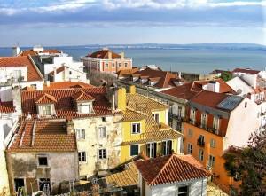 Barrio de Alfama, una de las rutas preferidas de los visitantes a Lisboa (Foto Flickr de oma_k)