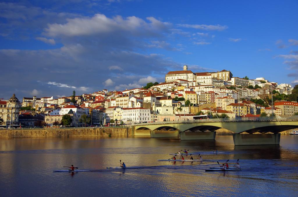 La bella Coimbra, a los pies del río Mondego.  ⒸPiotr Gaborek.