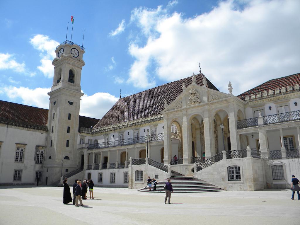 La universidad de Coimbra, la más antigua de Portugal, centro cultural de gran importancia.