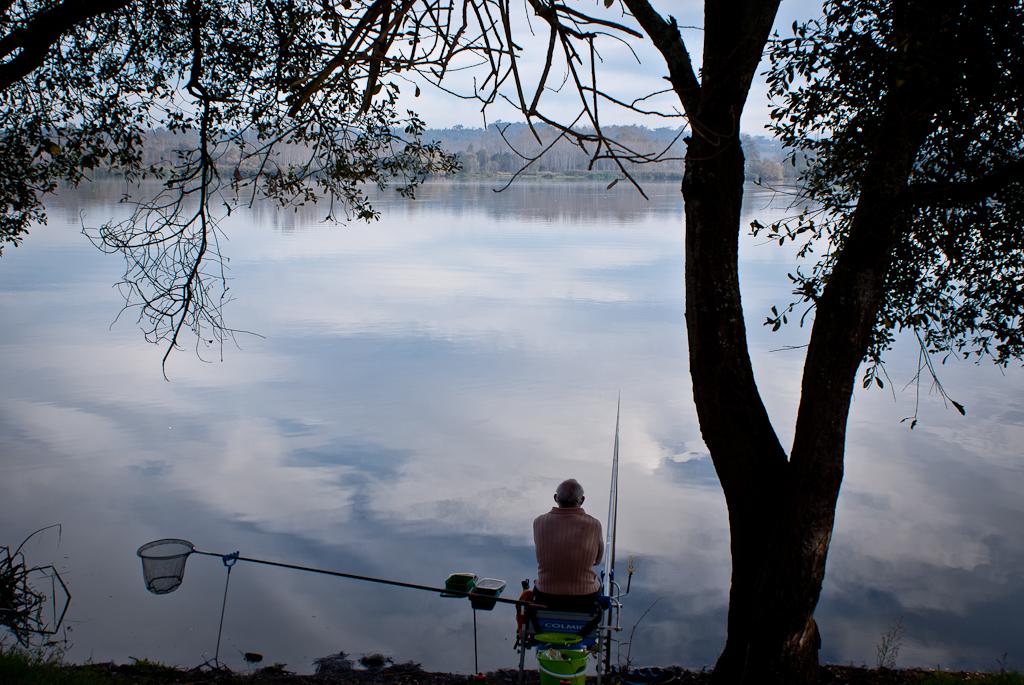 Pescadores que deciden ir a pasar un día tranquilo a la Pateira de Fermentelos, disfrutando de estas panorámicas maravillosas. Foto de Fernanda Rodrígues.
