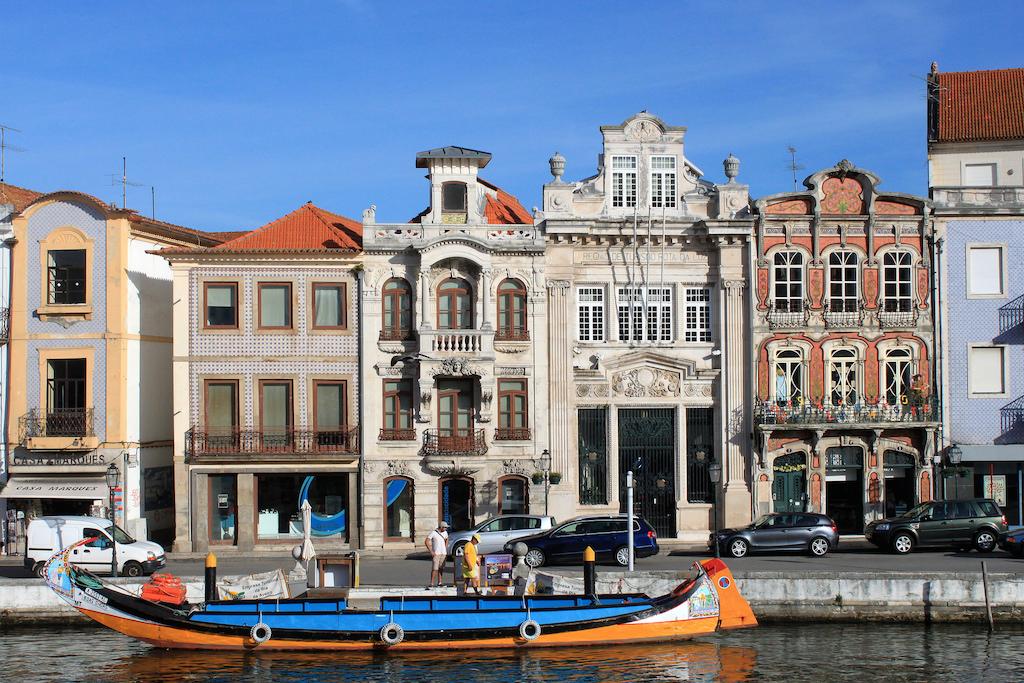 Magníficos edificios modernistas (Arte Nova) en la ciudad de Aveiro y sus alrededores. Sigan con nosotros la Ruta Modernista. © André Pipa.