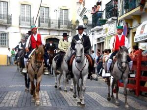 """Fiesta de """"Nossa Senhora do castelo"""", en Corucha, Portugal (Foto Flickr de isilda m)"""