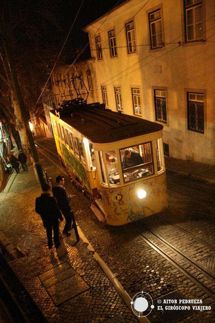 Cuestas empinadas de Lisboa surcadas por los tranvías