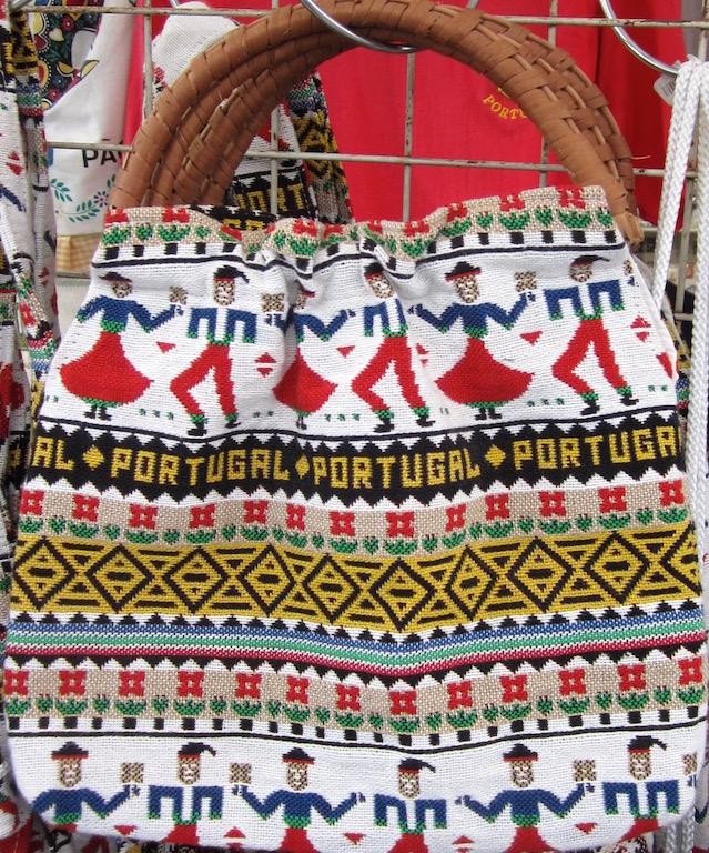En Portugal la artesanía es rica: azulejos, textiles, corcho, ...© María Calvo.