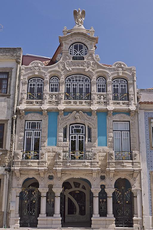 Casa do Major Pessoa, magnífico ejemplo del Modernismo de Portugal. En Aveiro. ©  Américo Aperta.