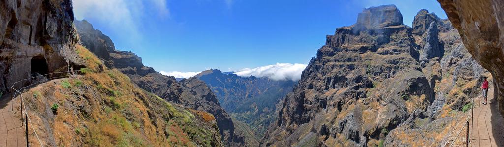 Panorama del Pico Arieiro, Curral das Freiras, Madeira. © Bruno Pereira.
